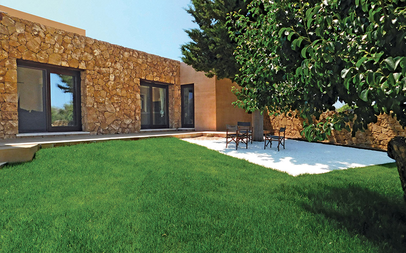 MC113-sutherland-house-sicily-patio